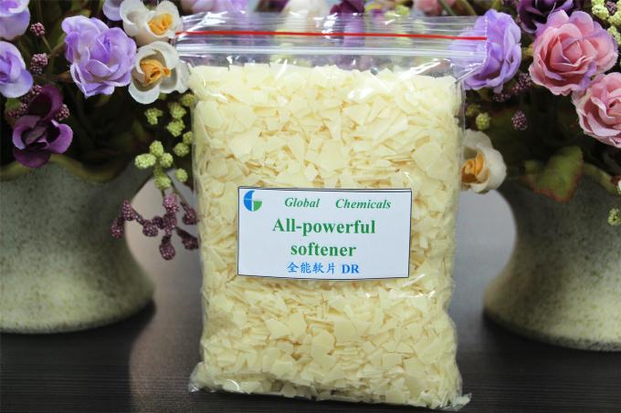 Dyeing House Weak Cationic Softener Flakes , textile softeners Hot Water Type